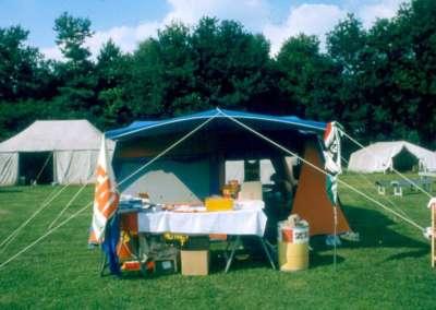 1981 - De kantinetent tijdens een kamp in Schaijk